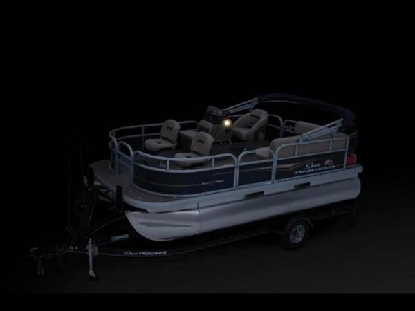 2022 Sun Tracker boat for sale, model of the boat is Bass Buggy® 16 XL Select & Image # 31 of 43