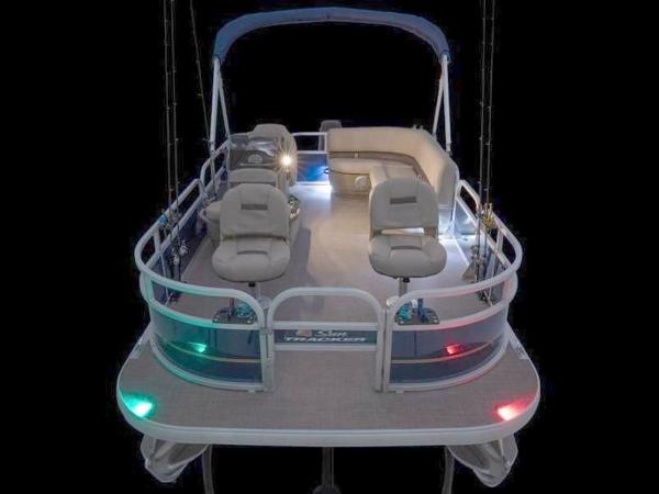2022 Sun Tracker boat for sale, model of the boat is Bass Buggy® 16 XL Select & Image # 33 of 43