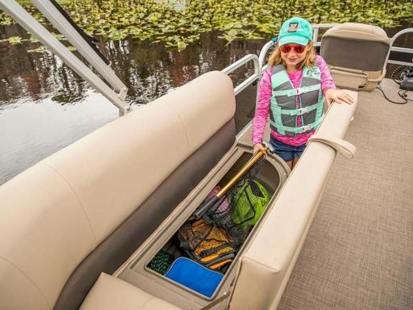 2022 Sun Tracker boat for sale, model of the boat is Bass Buggy® 16 XL Select & Image # 39 of 43