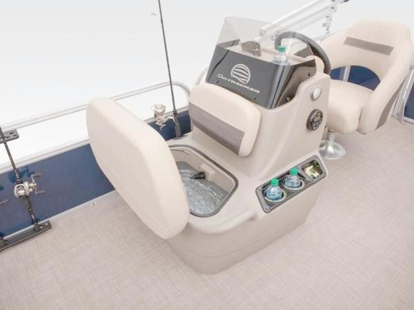 2022 Sun Tracker boat for sale, model of the boat is Bass Buggy® 16 XL Select & Image # 40 of 43