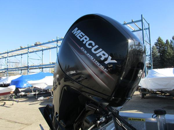 2020 Sun Tracker boat for sale, model of the boat is Party Barge 22 RF DLX & Image # 5 of 32