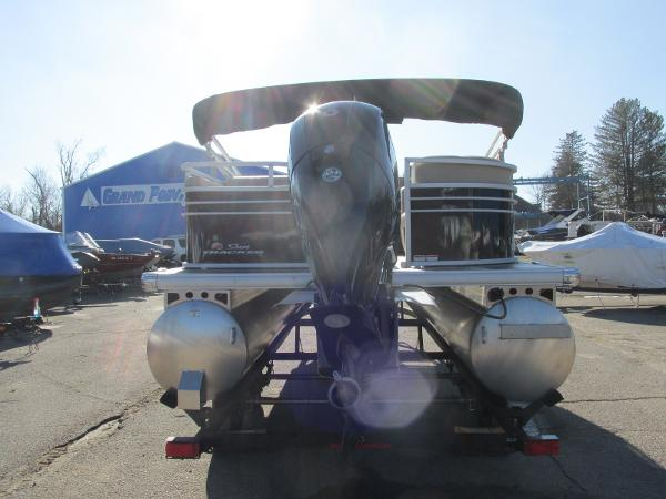 2020 Sun Tracker boat for sale, model of the boat is Party Barge 22 RF DLX & Image # 6 of 32