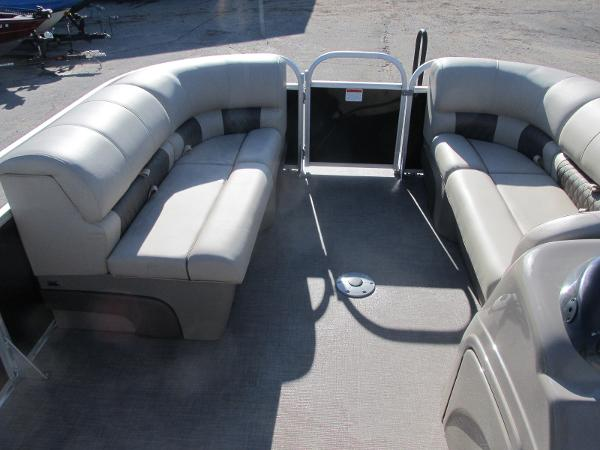 2020 Sun Tracker boat for sale, model of the boat is Party Barge 22 RF DLX & Image # 8 of 32