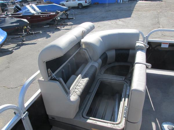 2020 Sun Tracker boat for sale, model of the boat is Party Barge 22 RF DLX & Image # 9 of 32
