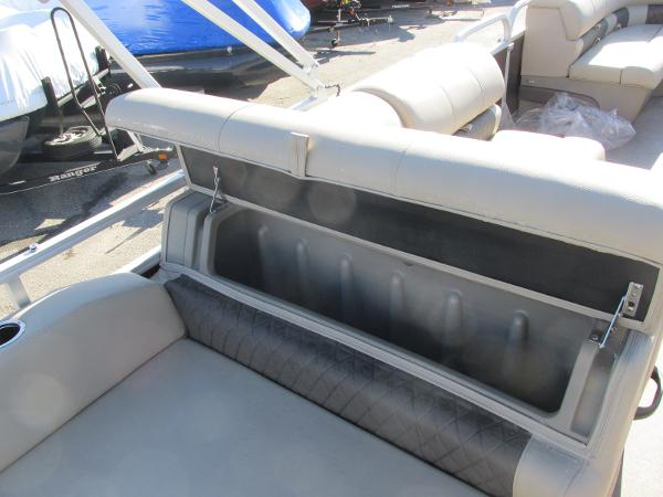 2020 Sun Tracker boat for sale, model of the boat is Party Barge 22 RF DLX & Image # 17 of 32