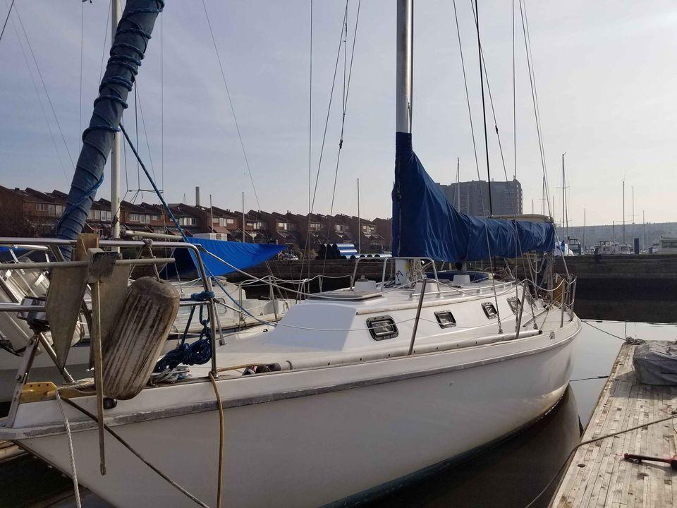M 6037 JB Knot 10 Yacht Sales