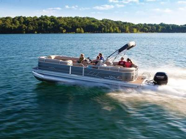 2021 Sun Tracker boat for sale, model of the boat is PARTY BARGE® 24 DLX & Image # 1 of 1