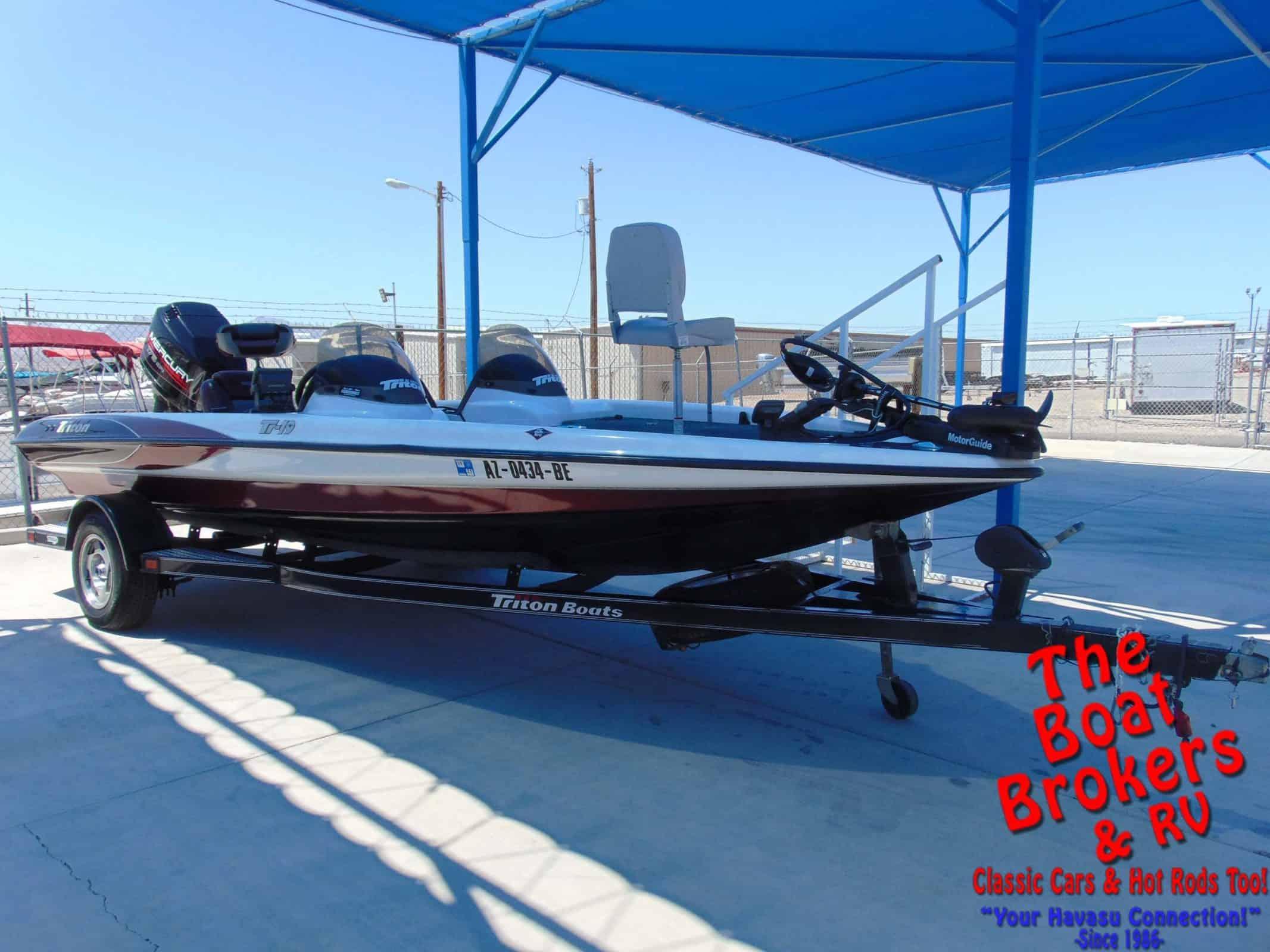 1998 Triton TR 190 Fishing Boat thumbnail