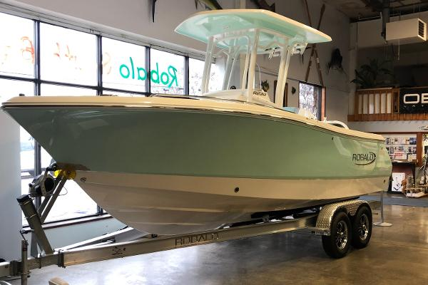 2021 Robalo R230 Center Console thumbnail
