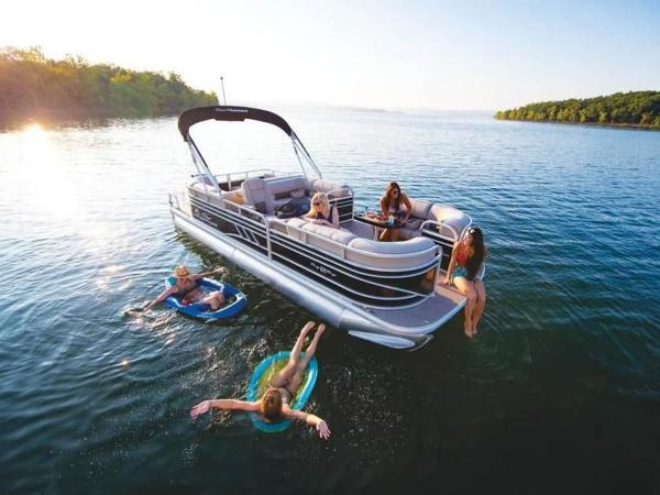 2022 Sun Tracker boat for sale, model of the boat is PARTY BARGE® 22 RF DLX & Image # 3 of 56
