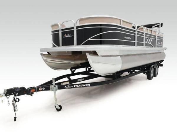 2022 Sun Tracker boat for sale, model of the boat is PARTY BARGE® 22 RF DLX & Image # 15 of 56
