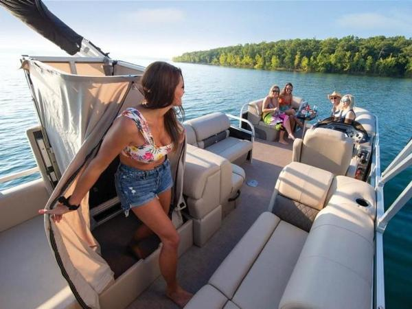 2022 Sun Tracker boat for sale, model of the boat is PARTY BARGE® 22 RF DLX & Image # 25 of 56