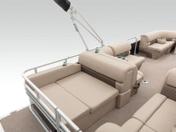 2022 Sun Tracker boat for sale, model of the boat is PARTY BARGE® 22 RF DLX & Image # 28 of 56