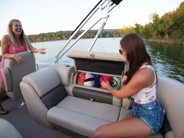 2022 Sun Tracker boat for sale, model of the boat is PARTY BARGE® 22 RF DLX & Image # 29 of 56