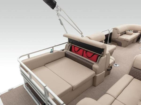2022 Sun Tracker boat for sale, model of the boat is PARTY BARGE® 22 RF DLX & Image # 30 of 56