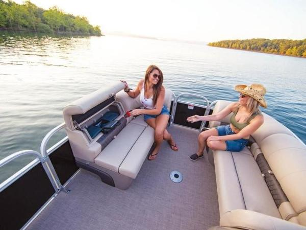 2022 Sun Tracker boat for sale, model of the boat is PARTY BARGE® 22 RF DLX & Image # 33 of 56