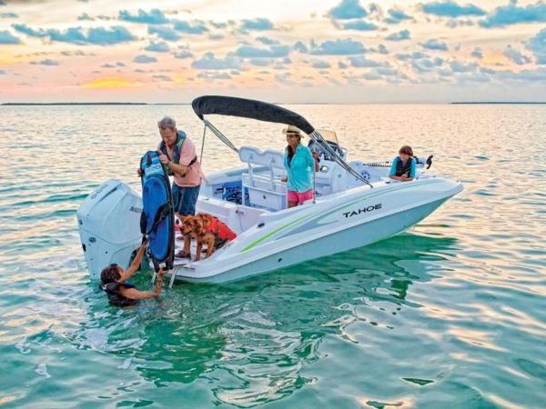 2021 Tahoe boat for sale, model of the boat is 2150 CC & Image # 9 of 77