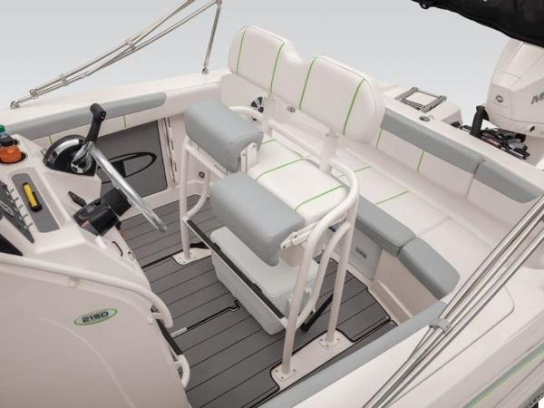 2021 Tahoe boat for sale, model of the boat is 2150 CC & Image # 17 of 77