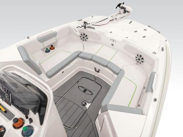 2021 Tahoe boat for sale, model of the boat is 2150 CC & Image # 32 of 77