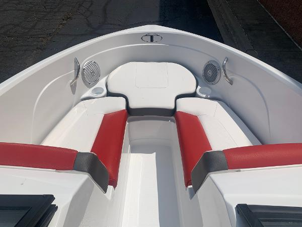 2021 Tahoe boat for sale, model of the boat is 500 TS & Image # 6 of 28