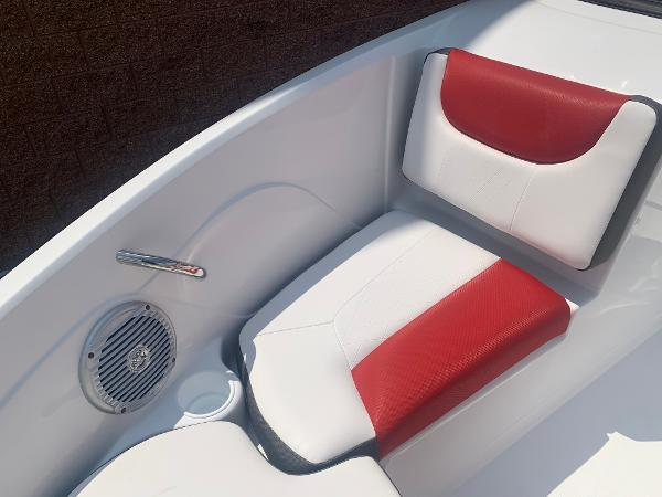 2021 Tahoe boat for sale, model of the boat is 500 TS & Image # 7 of 28