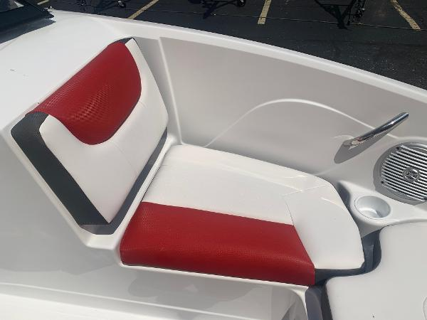 2021 Tahoe boat for sale, model of the boat is 500 TS & Image # 8 of 28