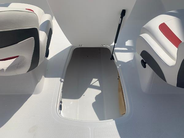 2021 Tahoe boat for sale, model of the boat is 500 TS & Image # 15 of 28