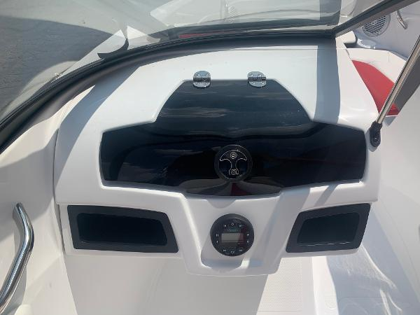 2021 Tahoe boat for sale, model of the boat is 500 TS & Image # 17 of 28