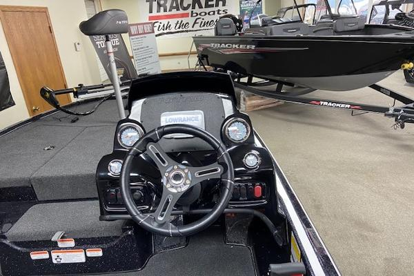 2020 Nitro boat for sale, model of the boat is Z17 & Image # 4 of 26