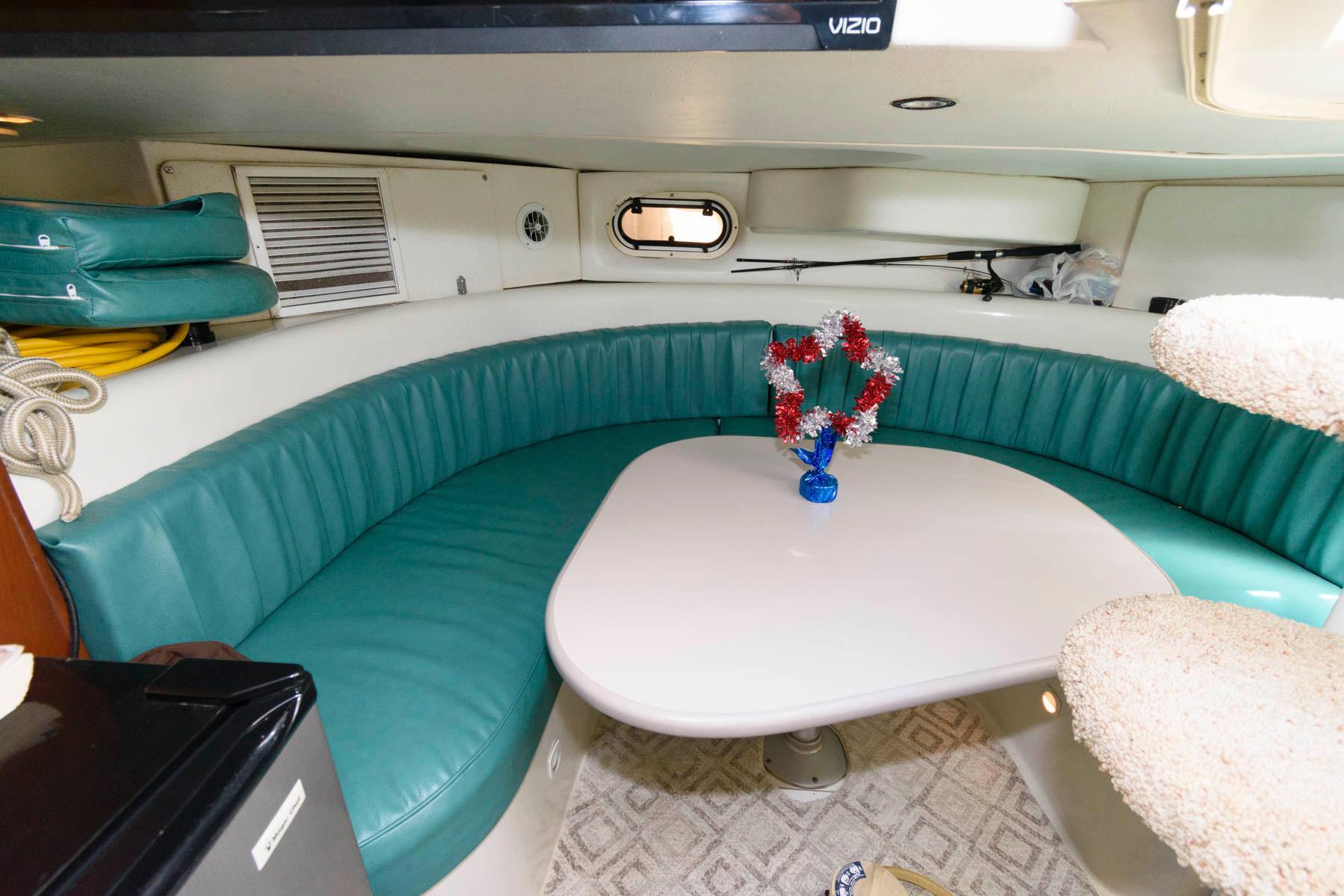 M 6203 EF Knot 10 Yacht Sales