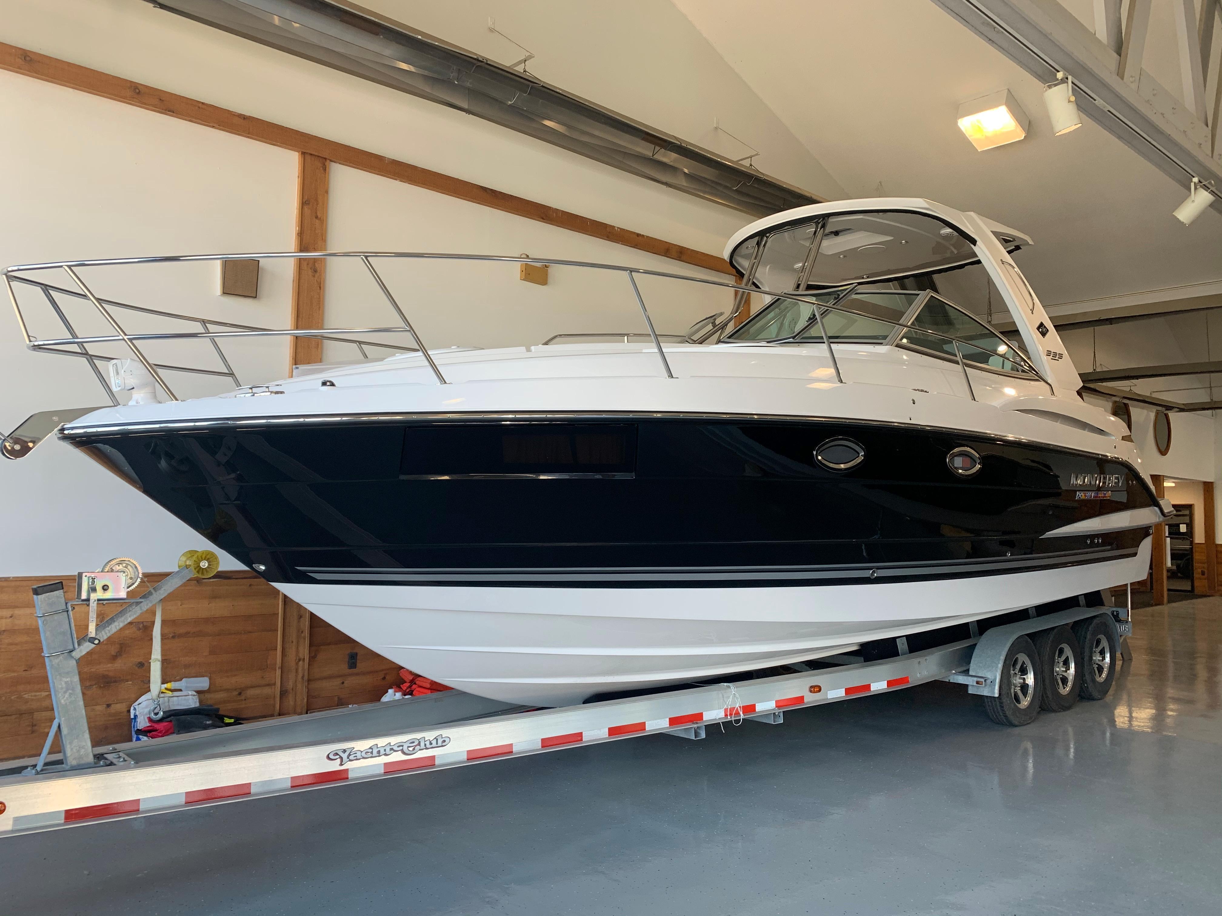 Monterey335 Sport Yacht