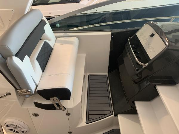 2021 Monterey boat for sale, model of the boat is 335 Sport Yacht & Image # 20 of 52