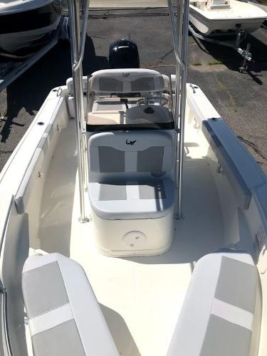 2020 Mako boat for sale, model of the boat is 184 CC & Image # 6 of 8