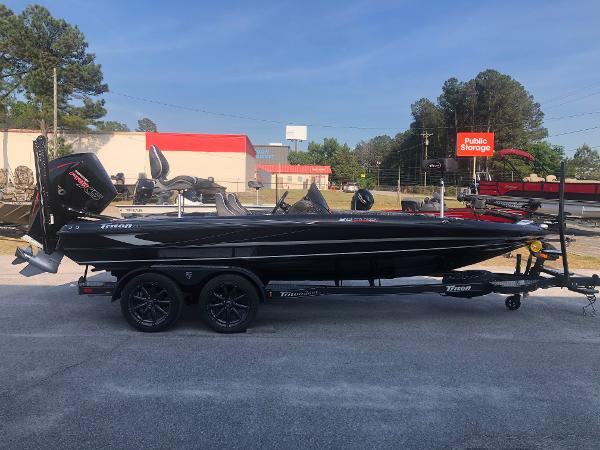 2021 Triton boat for sale, model of the boat is 20 TRX Patriot & Image # 4 of 35