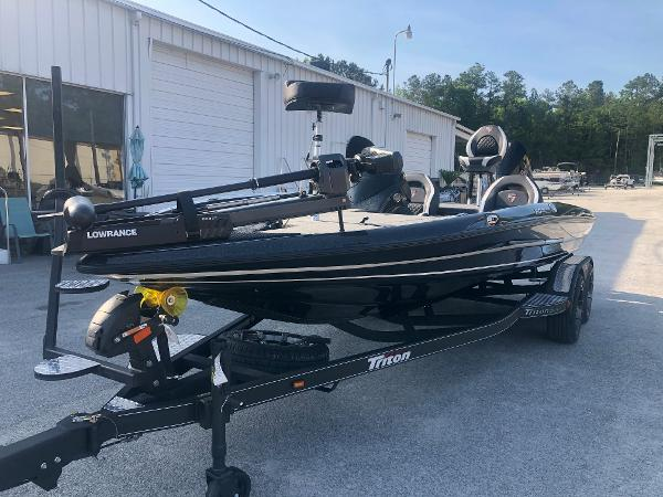 2021 Triton boat for sale, model of the boat is 20 TRX Patriot & Image # 1 of 35