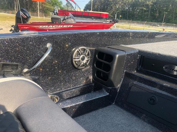 2021 Triton boat for sale, model of the boat is 20 TRX Patriot & Image # 25 of 35