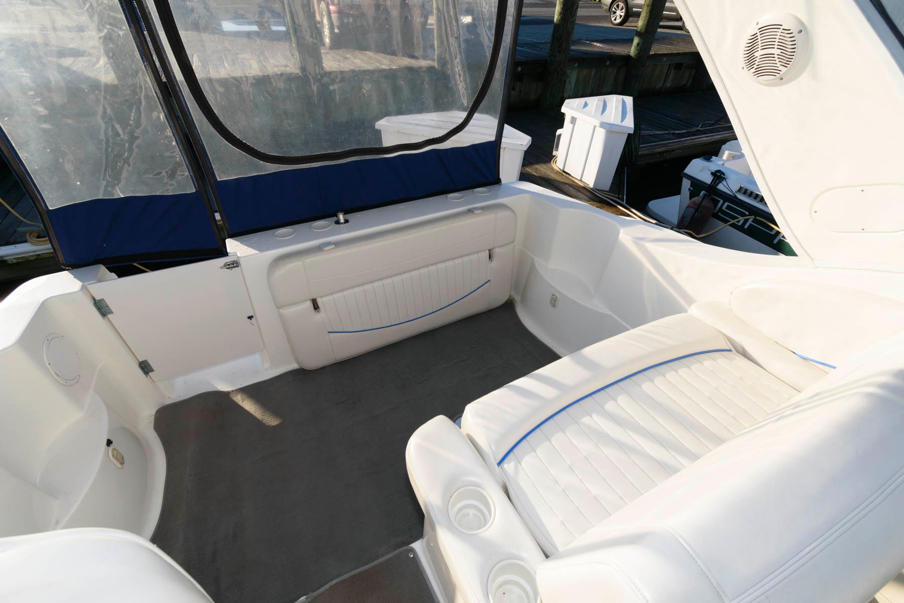 M 5756 VR Knot 10 Yacht Sales