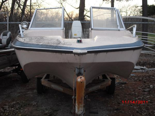 1972 Glastron boat for sale, model of the boat is 176 BOWRIDER & Image # 5 of 23