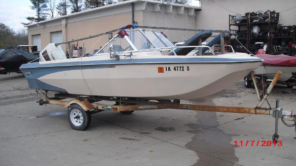 1972 Glastron boat for sale, model of the boat is 176 BOWRIDER & Image # 3 of 23