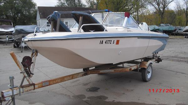 1972 Glastron boat for sale, model of the boat is 176 BOWRIDER & Image # 15 of 23