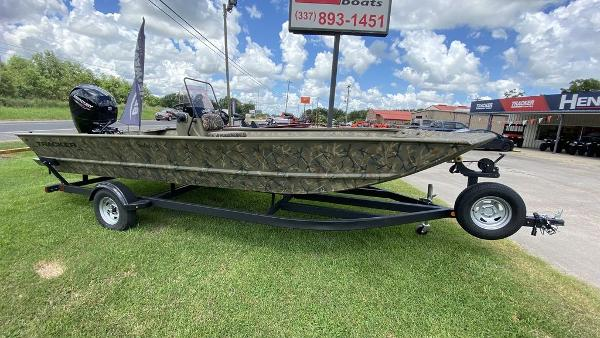 2020 Tracker Boats boat for sale, model of the boat is GRIZZLY® 2072 CC & Image # 1 of 4