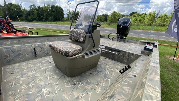 2020 Tracker Boats boat for sale, model of the boat is GRIZZLY® 2072 CC & Image # 2 of 4