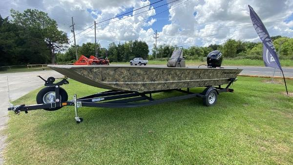 2020 Tracker Boats boat for sale, model of the boat is GRIZZLY® 2072 CC & Image # 3 of 4