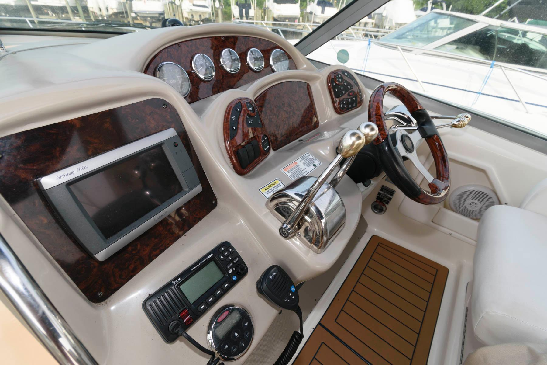 M 6323 RD Knot 10 Yacht Sales