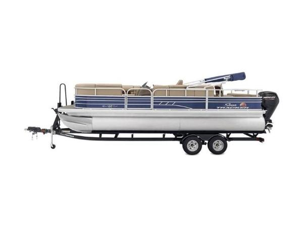 2022 Sun Tracker boat for sale, model of the boat is SportFish™ 22 DLX & Image # 24 of 55