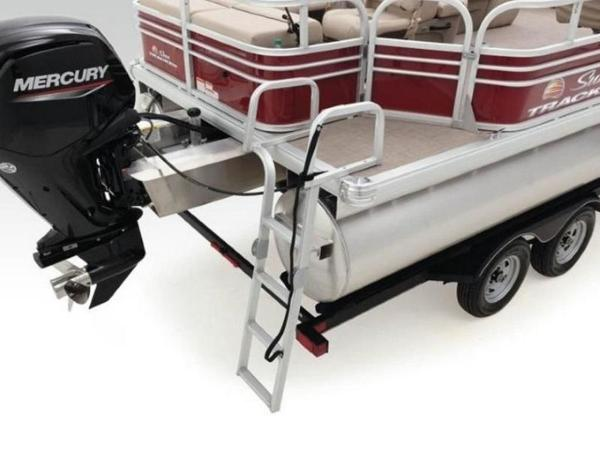 2022 Sun Tracker boat for sale, model of the boat is SportFish™ 22 DLX & Image # 40 of 55