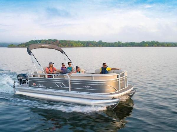 2022 Sun Tracker boat for sale, model of the boat is PARTY BARGE® 20 DLX & Image # 1 of 45