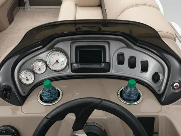 2022 Sun Tracker boat for sale, model of the boat is PARTY BARGE® 20 DLX & Image # 9 of 45