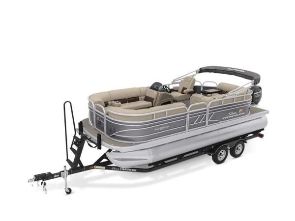 2022 Sun Tracker boat for sale, model of the boat is PARTY BARGE® 20 DLX & Image # 10 of 45