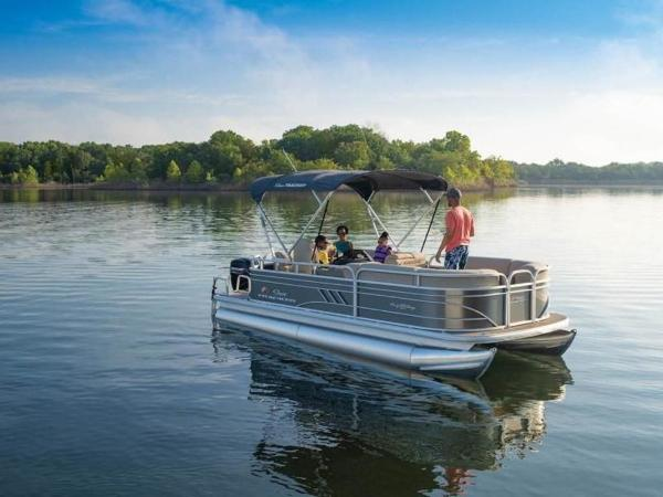 2022 Sun Tracker boat for sale, model of the boat is PARTY BARGE® 20 DLX & Image # 13 of 45